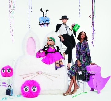 An image from the Kate Spade New York Holiday Collection Starring Miss Piggy Ad Campaign